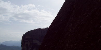A picture from Meteora by alexia pechlivanidou