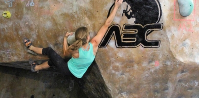 A picture from Adelaide\'s Bouldering Club by Andrea Torrealba de Costagliola