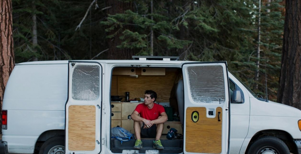 THE VAN LIFE of ALEX HONNOLD in Mickey\'s Beach, CA