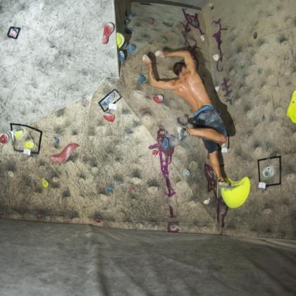 Monkey Boulder by Pósz József