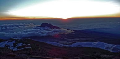 A picture from Kilimanjaro / Uhuru/Kibo Peak by Fabior De Nulle Part