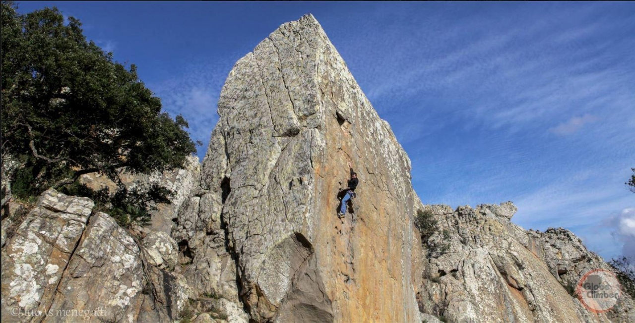 A picture from Bolonia by Globe Climber