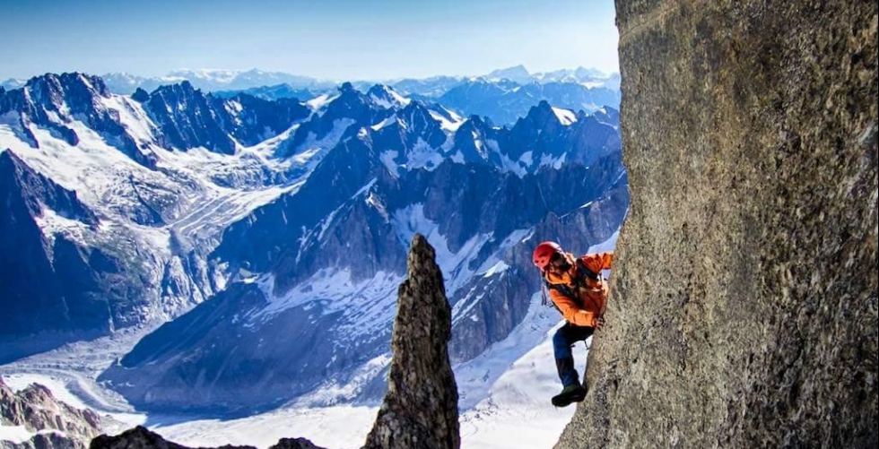 Aiguilles du diable in Mont Blanc du Tacul