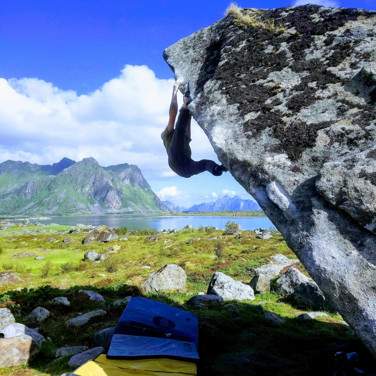 A picture from Lofoten Islands by Sim Sim