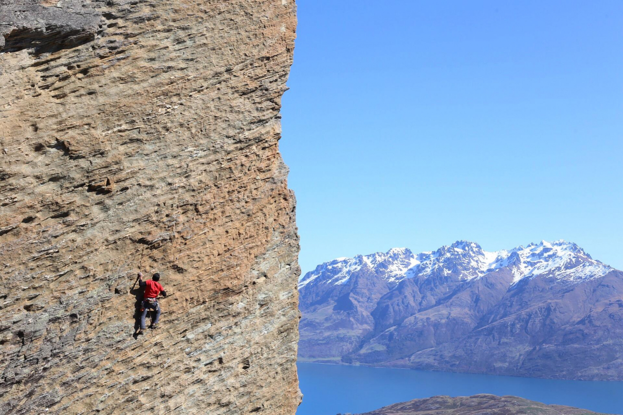 A picture from Mt Remarkables - Sundail Crag by Fakhrul Rozy