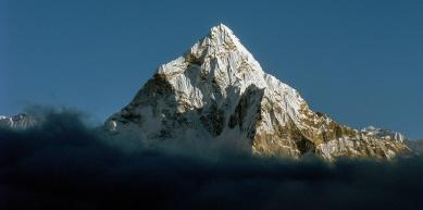 A picture from Ama Dablam by Fred Vionnet Grimpisme